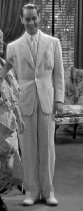 https://deckardsguide.files.wordpress.com/2017/11/matt-deckard-belt-back-suit-dl1.jpg?w=291